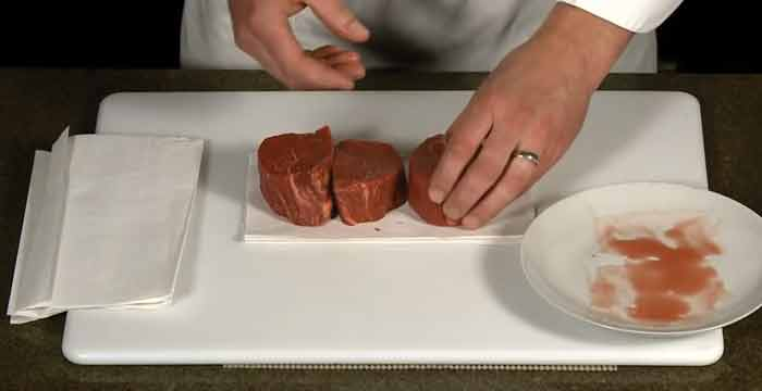 Dry The Steak With A Paper Towel