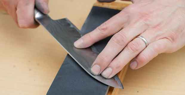 How do I Sharpen my Kitchen Knives with Coarse Sandpaper