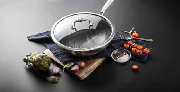 How Do Non-Stick or Teflon-Coated Woks Work